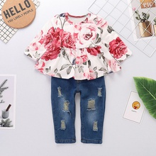 2-piece Sweet Floral Ruffle Long-sleeve Top and Jeans Set