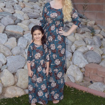 Charming Floral Long-sleeve Maxi Dress for Mommy and Me