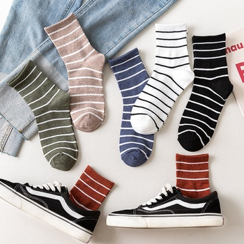 Women's Socks Autumn And Winter Leisure Pure Cotton Pinstripe College Style Tube Socks Comfortable And Breathable Socks