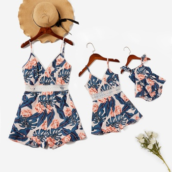 Floral Print Stitching Lace Side Matching Sling Shorts Rompers