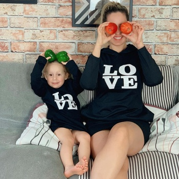 Love Print Black Long Sleeve Hooded Sweatshirts Dresses for Mom and Me