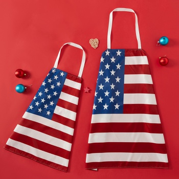 Independence Day Flag Print Family Matching Aprons