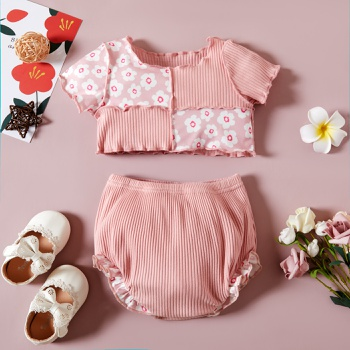 2pcs Baby Girl Floral Short-sleeve Cotton Top Solid Shorts Baby Sets