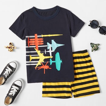 Trendy Kid Boy 2-Piece Stripes&Vehicle Print Cotton Shorts Suits