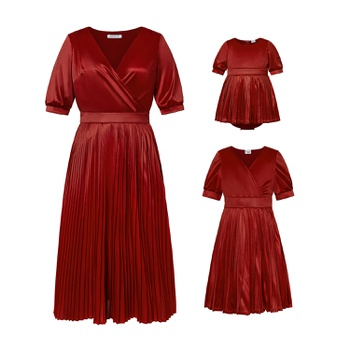 Mosaic Mommy and Me V-neck Solid  Pleated Dresses