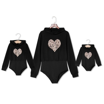 Mommy and Me Leopard Heart Pattern Print Long-sleeve Rompers