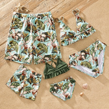 Floral Print Family Matching Swimsuits(2-piece V-neck Ruffle Swimsuits for Mom and Girl ; Swim Trunks for Dad and Boy)