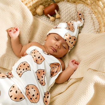 2-pcs Cute Biscuits Print Baby Swaddle Blankets Hat Soft Sleeping Blanket Wrap Set Newborn Baby Bedding Bag