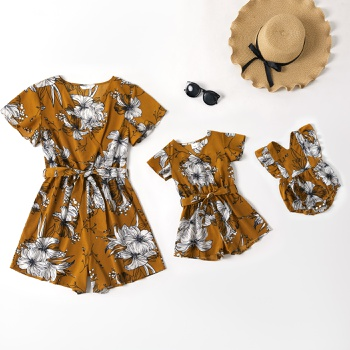 Floral Print V-neck Short-sleeve Shorts Rompers for Mommy and Me